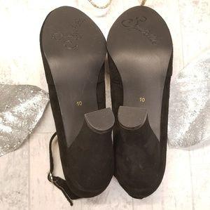 Seychelles Shoes - Seychelle's Size 10 Black Suede Heels